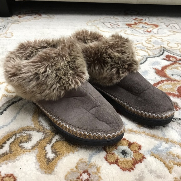 Isotoner Slippers with faux fur trim
